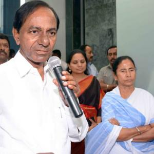 'This is the beginning of the federal front': KCR after meeting Mamata