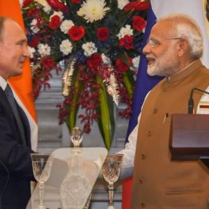 PM invites Russia to set up defence industrial park in India