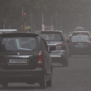 Delhi's air quality deteriorates to 'very poor' for first time in season