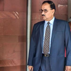 SC reinstates Alok Verma as director but clips his wings