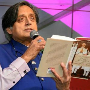 Tharoor wades into fresh controversy with 'scorpion' analogy against Modi