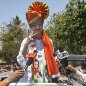 PHOTOS: Urmila, Priya Dutt file nominations in Mumbai