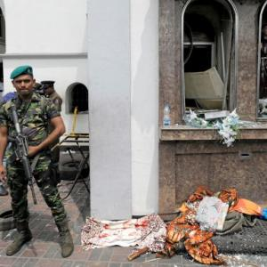 160 killed, over 450 hurt as 6 blasts rock Sri Lanka