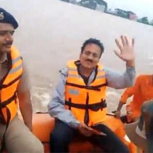 Maha minister takes selfie videos during flood survey