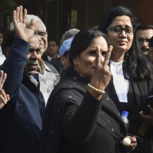 SC dismisses Nirbhaya convict's review plea