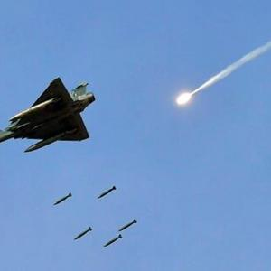 Indian planes flew into our airspace, says Pak