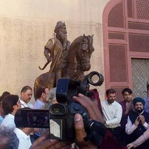 Why an Indian hero's statue was unveiled in Pakistan