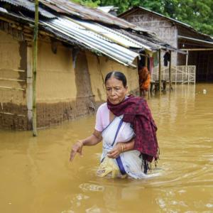 Assam flood worsens, 4.23 lakh people affected