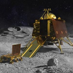 Vikram located on lunar surface, did not soft-land