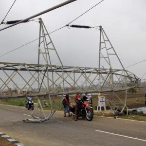 Fani toll hits 35, lakhs still without water, power