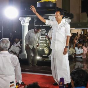 DMK wins big in LS polls; AIADMK manages to save govt