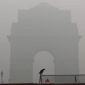 Delhi smog: 37 flights diverted; air quality worsens