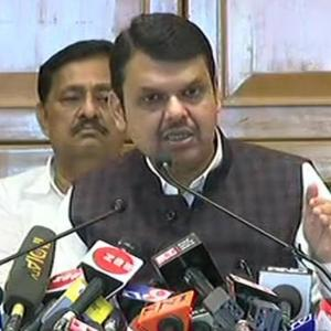 Fadnavis slams Sena, says Uddhav didn't take his calls