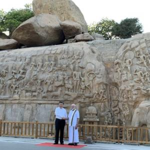 In veshti, PM strikes a chord with Xi at Mahabalipuram