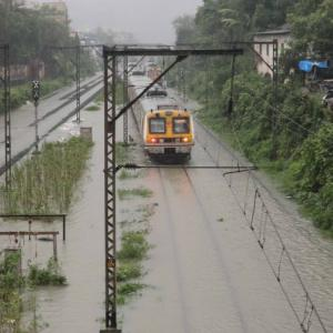 Heavy downpour paralyses Mumbai, red alert for 24 hrs