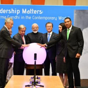 Gandhiji's ideals are our guiding light, Modi tells UN