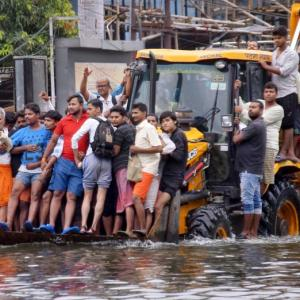 Bihar flood toll reaches 28; IAF drops relief material