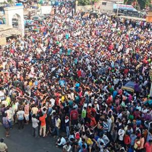 Why 1,000 migrants gathered in Mumbai today
