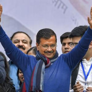 Kejriwal to take oath on Feb 16 along with his team
