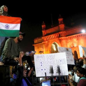 24 hrs & counting... Mumbai's 'Occupy Gateway' continues