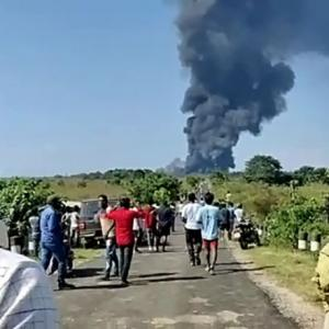 2 firefighters die in gas well blaze in Assam