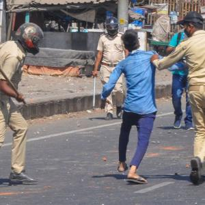 Migrant workers clash with cops in Surat; 11 hurt