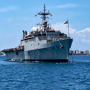 Naval ship arrives in Kochi with Indians from Maldives