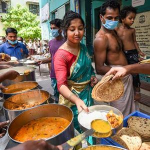 Govt announces free food grain to migrants for 2 mnths