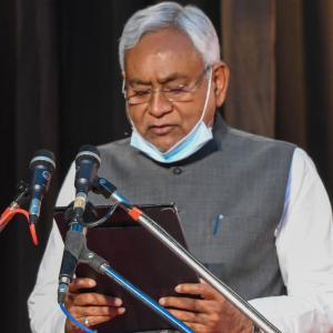 Nitish to be sworn-in as Bihar CM today