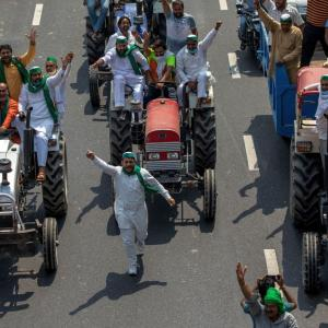 Massive farmer protests in Punjab, Haryana