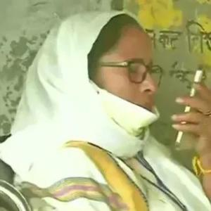 Mamata dials guv, claims people not being able to vote