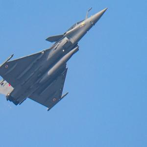 Rafale aircraft makes debut at R-Day flypast