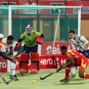 Spirited UP Wizards stun Ranchi Rhinos 3-2