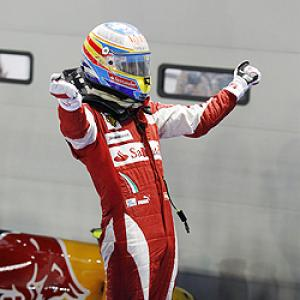 Alonso holds off Vettel for Singapore win