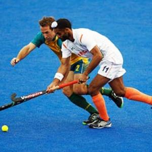 Hockey: Australia crush India in Olympic test event