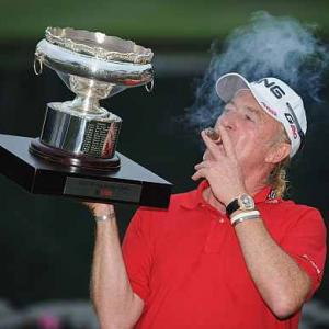 Jimenez proves age no factor in Hong Kong victory