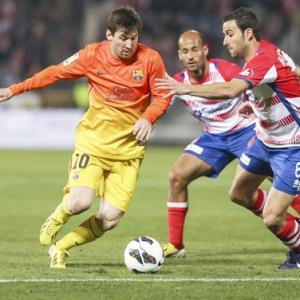 European Soccer Roundup: Barca, Bayern stay strong