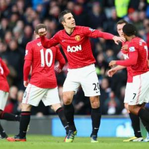 Van Persie and Suarez set for Old Trafford shoot-out