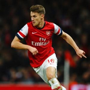 Arsenal beat Liverpool to open gap atop EPL