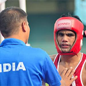 World Boxing C'ships: Madan goes down in 1st round