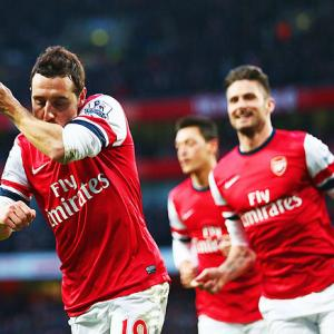 EPL PHOTOS: Arsenal, City forge ahead, Liverpool held by Villa