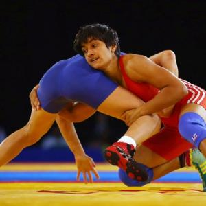 EMBARRASSING! 400 grams heavier, Vinesh disqualified from Oly qualifier