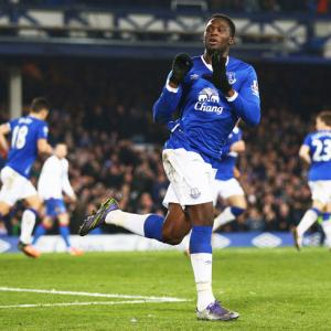 EPL PHOTOS: Lukaku's late goal saves Everton the blushes against Palace