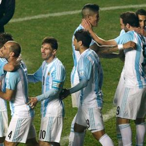 Copa America: Argentina hit Paraguay for six to make final