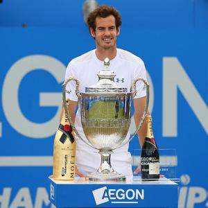 Murray outclasses Anderson to take fourth Queen's title