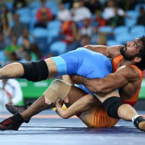 Wrestling: Shock defeat for Yogeshwar in qualification round