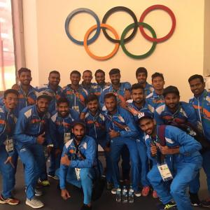 India's hockey coach complains about facilities at Olympic Village