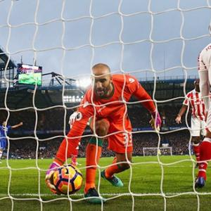 EPL PIX: Chelsea extend lead at the top, United leave it late