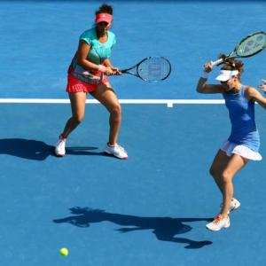 UNSTOPPABLE! Sania-Hingis storm into Australian Open final