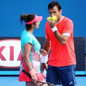 Sania, Paes in French Open mixed doubles semis